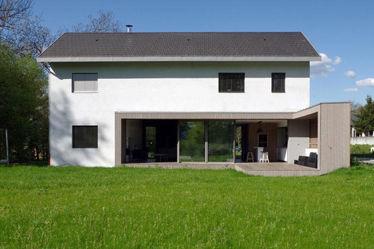 Villa contemporaine aux lignes épurées et panoramiques