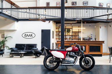 Moto BAAK