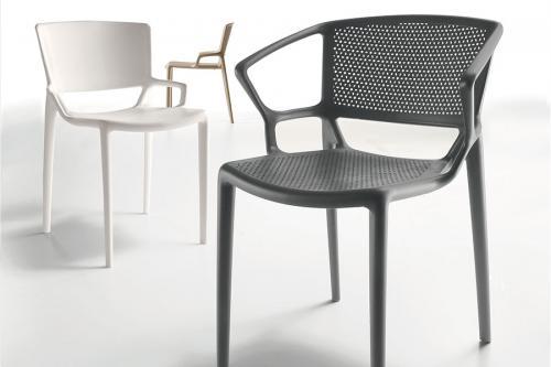 Chaise outdoor pleine et perforée Fiorellina by Infiniti
