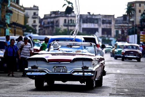 Voiture américaine à La Havane à Cuba